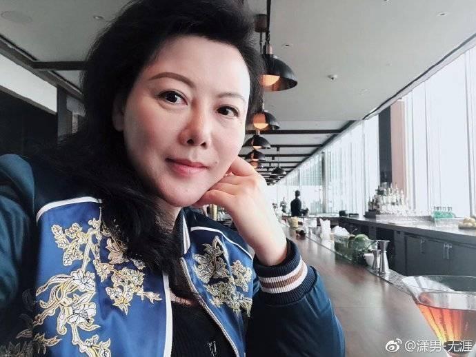 曾聲援中國北京清華大學前教授許章潤等自由派學者的北京文化企業家耿瀟男,9日因「非法經營」被法院判處3年徒刑。(取自耿瀟男微博)