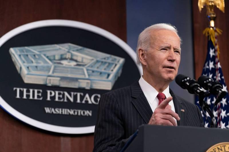 美國總統拜登(Joe Biden)上任後首度訪問五角大廈,10日宣布成立了一支國防部特別工作小組,立即檢視美國對中國的戰略。(路透)