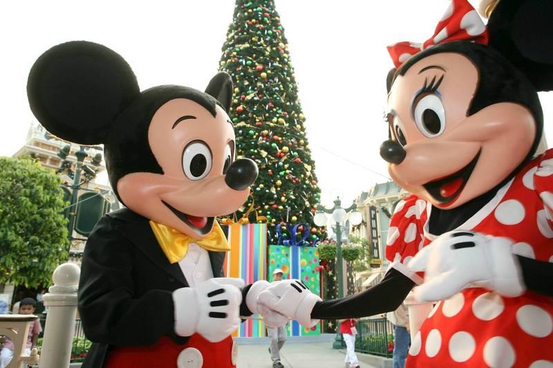 香港政府计划在18日准许重开主题乐园,香港迪士尼乐园却传出2名员工确诊。(资料照,欧新社)(photo:LTN)