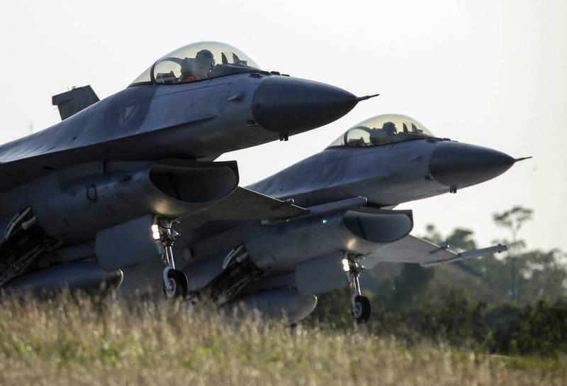 美國智庫外交關係協會(CFR)今天發表一份長達100頁的報告,建議華府與日本等盟友建立新機制,協助台灣自衛,圖為我國F-16戰機。(歐新社)