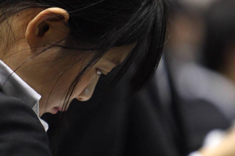 台灣學費較日本便宜,而且中文專長的商務需求增加,不少日本高中生考慮來台灣念大學。(彭博)