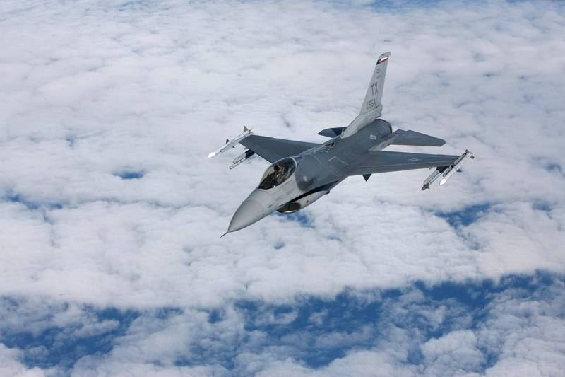 The US Defense Security Cooperation Agency announced on the 11th that it would sell the F-16 fighter training center to Jordan, worth about NT 1.68 billion. The picture shows the F-16 fighter.  (Photo by Euronews Agency)