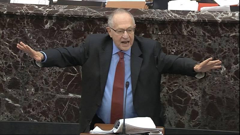 针对川普弹劾审判结果无罪,哈佛大学法学院荣誉教授德尔绍维茨(见图)认为在政治上很难评估「没被弹劾」和「被弹劾却获判无罪」两种情况,究竟谁比较好。图为德尔绍维茨去年初替川普首次弹劾进行辩护。(美联社)(photo:LTN)