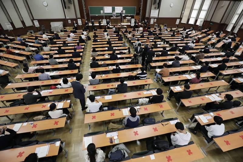 日本文部科学省与经济产业省发现,竟有40%的私立大学至今仍未针对留学生和外国研究人员等外籍人士的背景进行清查。图为东京大学。(路透档案照)(photo:LTN)