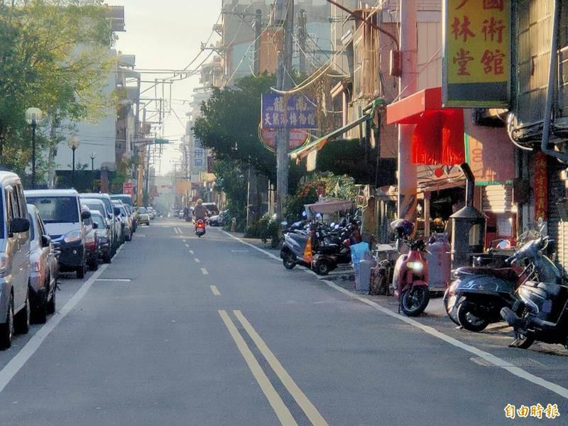 埔里鎮北平街13日大年初二發生槍擊命案,歹徒當街近距離射殺被害人,嚇壞附近居民。(記者佟振國攝)