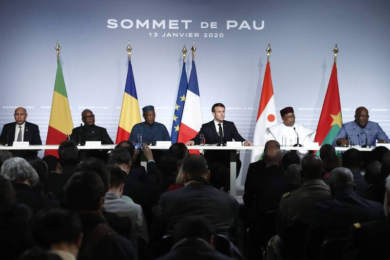 French President Macron and five heads of state in the Sahel region of West Africa held a summit in Chad on Monday and Tuesday (15th and 16th) to discuss the situation of the jihadist rebellion in the Sahel region. The picture shows the Sahel summit held in January last year.  (AFP)