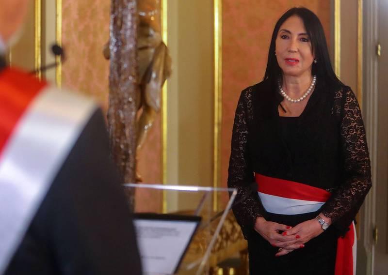 秘鲁外交部长阿丝特承认是自己抢先接种中国国药集团疫苗,宣布辞职。(法新社)(photo:LTN)