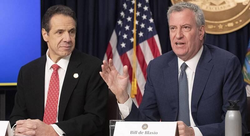 纽约州长古莫(左)被指控隐瞒安养院武肺真实死亡人数,纽约市长白思豪(右)要求彻查。(美联社档案照)(photo:LTN)