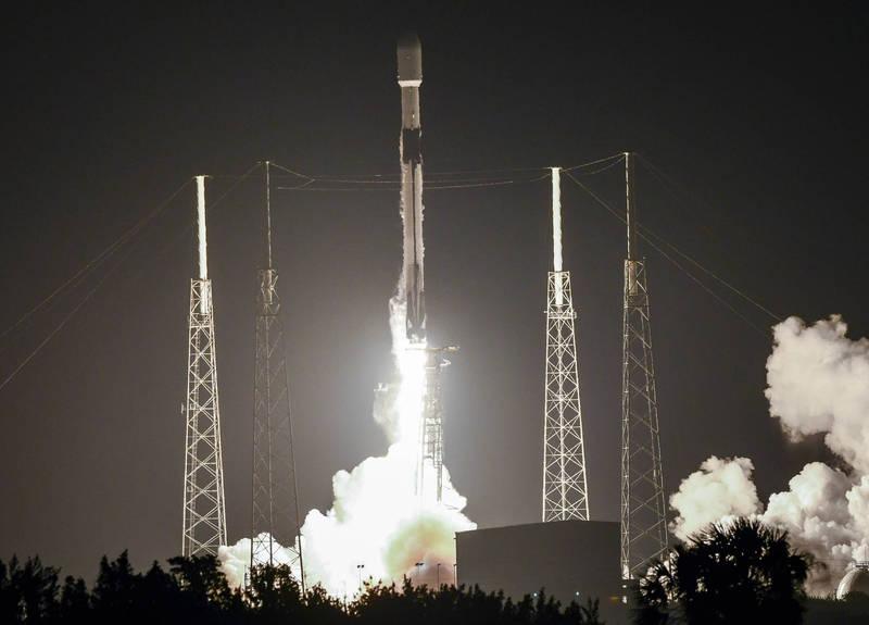 SpaceX再將60顆星鏈衛星送入軌道。(美聯社)