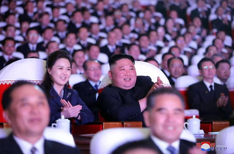 金正恩與妻子李雪主一同參加活動。(法新社)