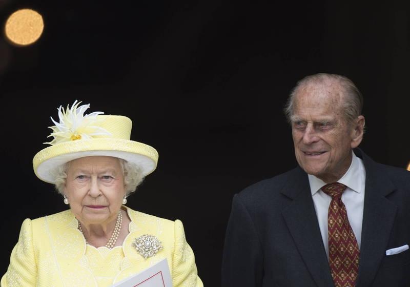 英国女王伊莉莎白二世(左)的丈夫菲利普亲王(右)17日紧急住院。(欧新社档案照)(photo:LTN)