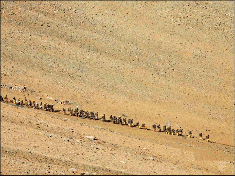 The picture shows the withdrawal of Chinese troops from Ladakh.  (Associated Press)