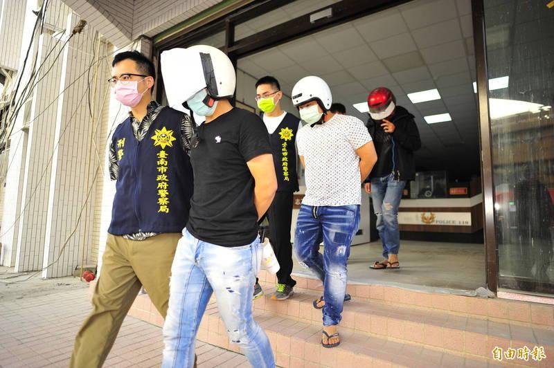安平兇殺案衍生尋仇事件,警方逮捕3名小弟。(記者王捷攝)