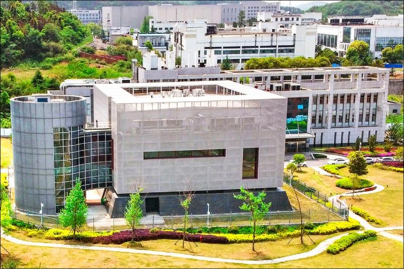 中國科學院武漢病毒研究所內生物安全等級最高的P4實驗室大樓。美國基因學者孟天行認為,新冠病毒從該實驗室外洩的說法並非陰謀論。(法新社檔案照)