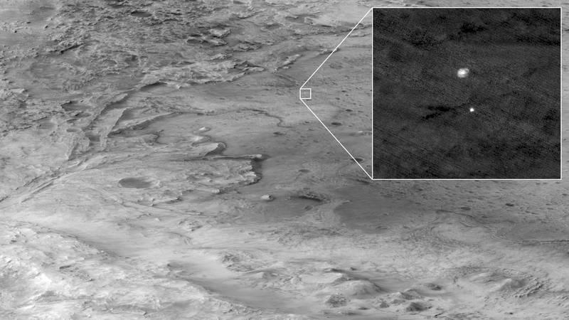 火星偵察軌道衛星捕捉到毅力號降落影響。(路透)