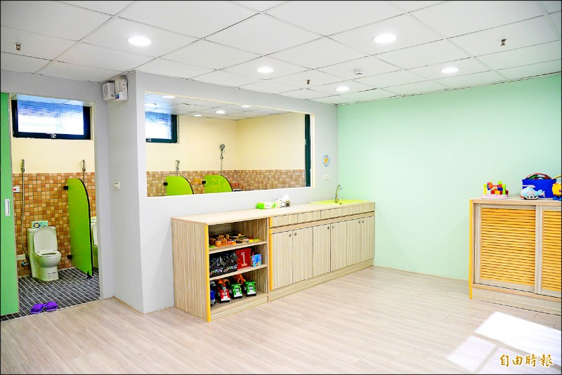 設於路科內的托嬰中心,最多可收托45名嬰幼兒。(記者許麗娟攝)