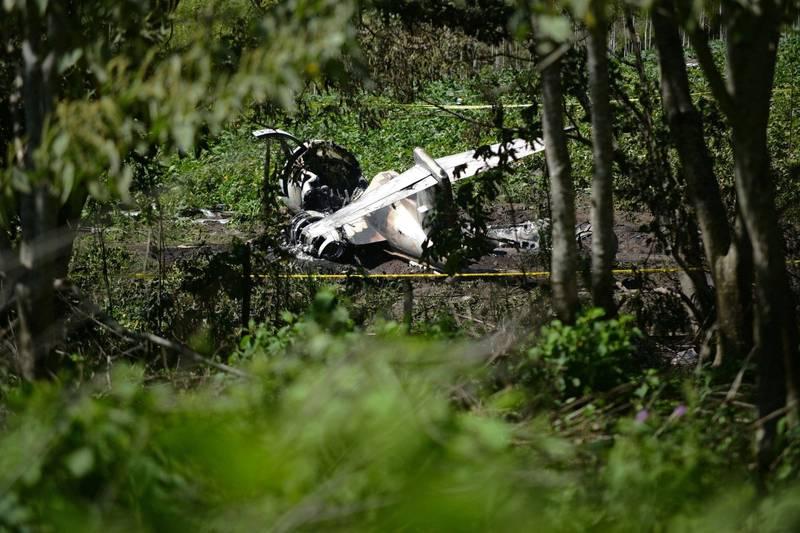墨西哥空軍軍機墜毀,造成機上6人死亡。(路透)