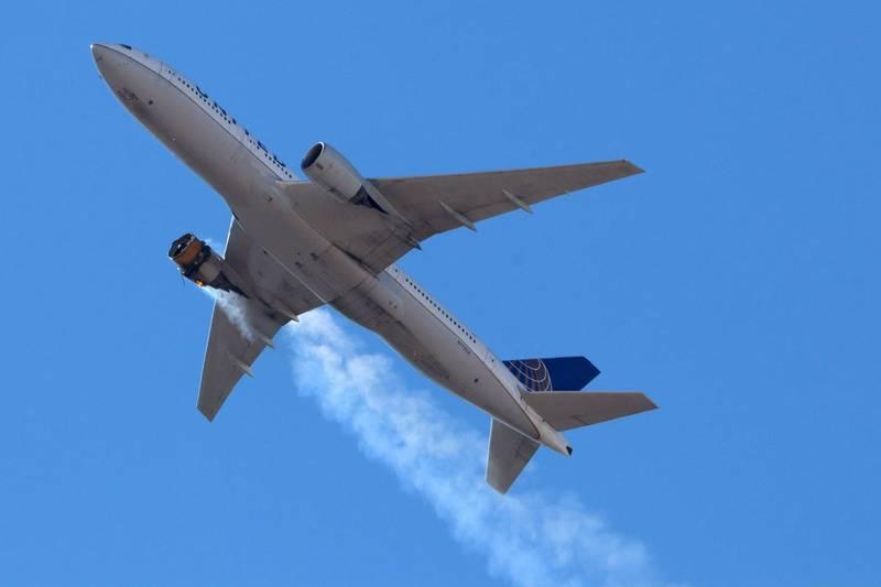 美國聯合航空客機20日驚傳引擎爆炸,聯邦航空總署21日下令加強檢查使用同款引擎的機種,聯合航空同日則宣布,暫停24架波音777客機航班。(路透)