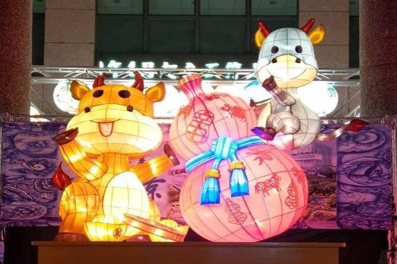 精心設計的可愛燈籠希望能增添喜氣。(新北市鶯歌區公所提供)