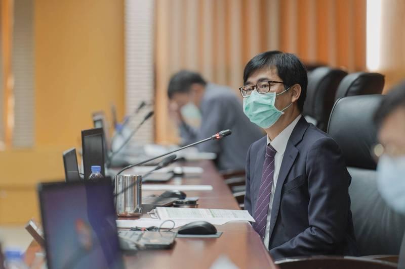 高雄市長陳其邁主持防疫會議。(高雄市政府提供)