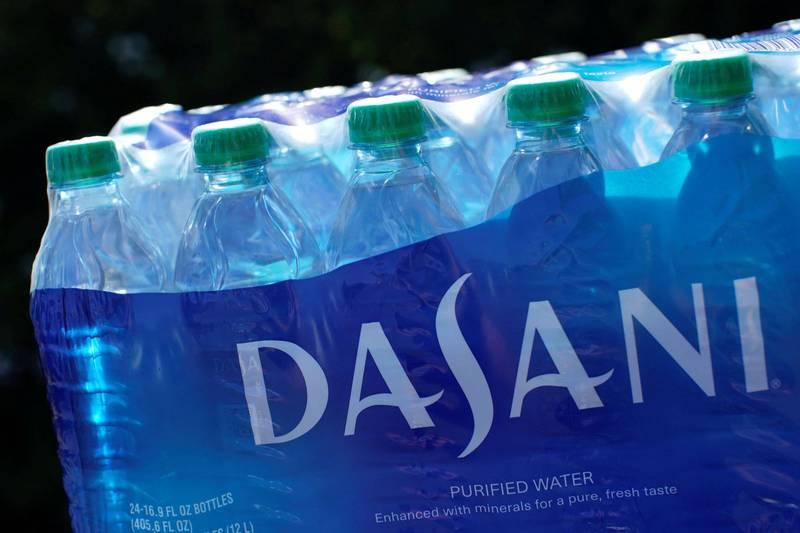可口可樂捐瓶裝水給德州 網友嘲諷怪味沒人要喝