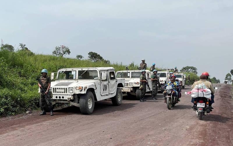 聯合國維和部隊駐守義大利大使遇襲事發地點。(路透)