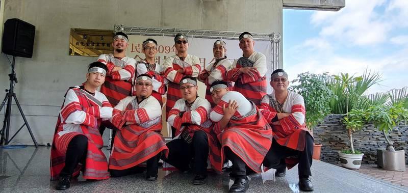 新竹縣泰雅之聲合唱團參加全國社會組合唱比賽,勇奪混聲、樂齡2組金質獎。(新竹縣政府提供)