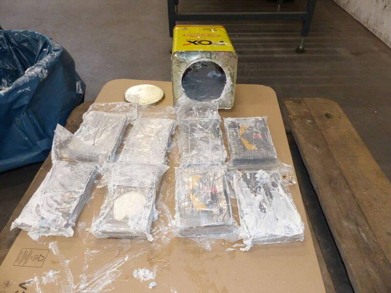 荷蘭檢察官今日表示,這兩批共23公噸古柯鹼原本要運往荷蘭,市值約為6億歐元。(路透)