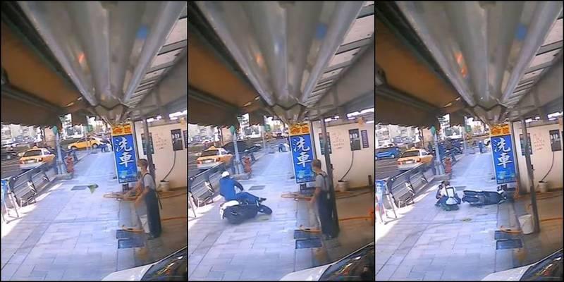 1名洗車工22日在店外洗抹布,接著隨手把抹布往人行道上一丟,1名機車騎士下一秒違規騎上人行道,剛好就壓過濕滑的抹布當場「犁田」。(圖取自爆廢公社)
