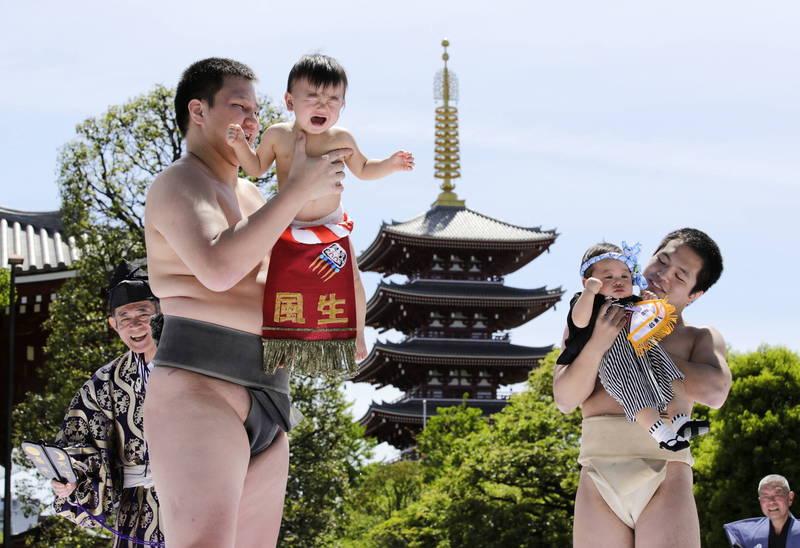 日本2020年新生兒數目約87萬人,創歷史新低紀錄。(歐新社)