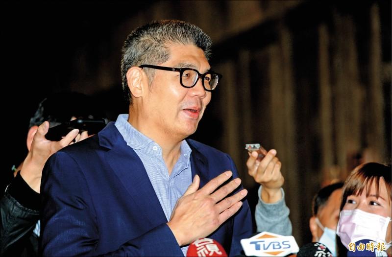 連勝文受訪時表示,對於藍白合作,國民黨黨高層必須用無私而且非常謹慎的態度去處理。(記者林正堃攝)