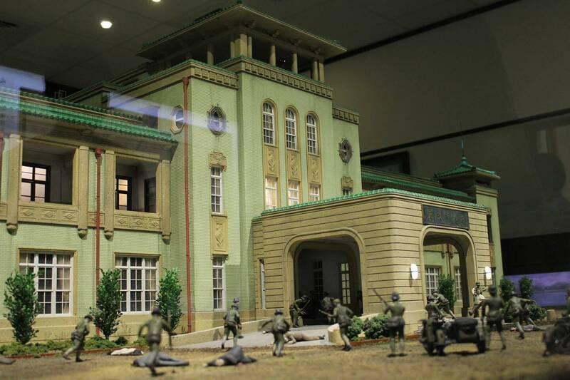 高雄市歷史博物館「二二八‧0306常設展」,以模型重現1947年3月6日的歷史現場。(圖取自史哲臉書)