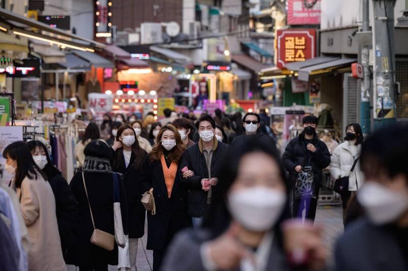 南韓中央防疫對策本部今通報,截至零時新增396例武漢肺炎(新型冠狀病毒病,COVID-19)確診個案。(法新社)