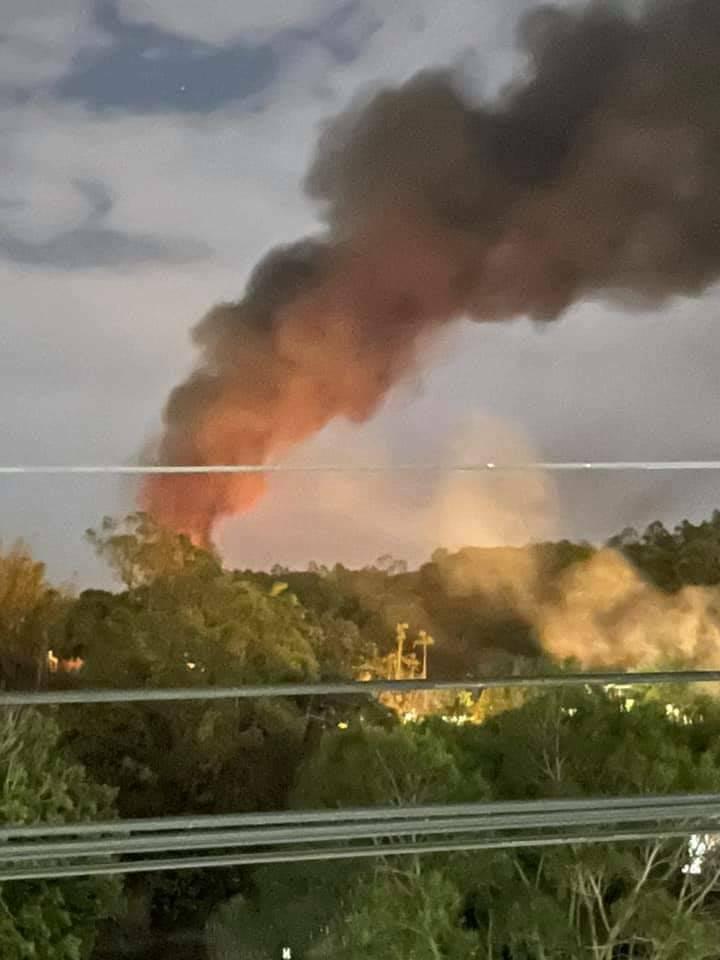 后里橡膠工廠火警又死灰復燃,濃煙密布。(取自臉書后里幫)