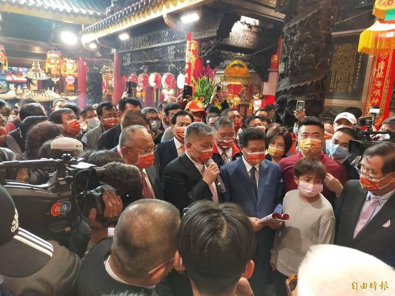 鎮瀾宮董事長顏清標宣布媽祖起駕日期。(記者張軒哲攝)