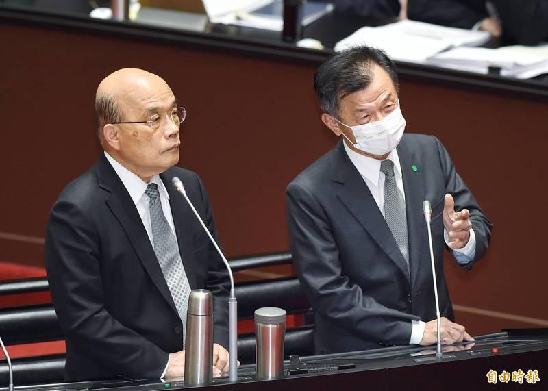 行政院長蘇貞昌、陸委會主委邱太三(右)答詢。(記者方賓照攝)