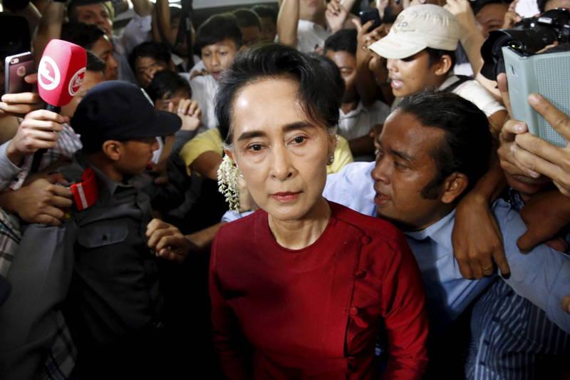 全國民主聯盟(NLD)幹部透露,原本被軟禁家中的翁山蘇姬已被轉往另一個「秘密地點」。(路透資料照)