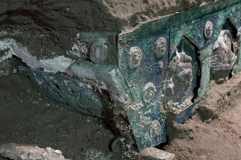 這輛儀式用馬車由青銅、鐵還有錫構成,外型上幾乎保存的非常完美。(路透)