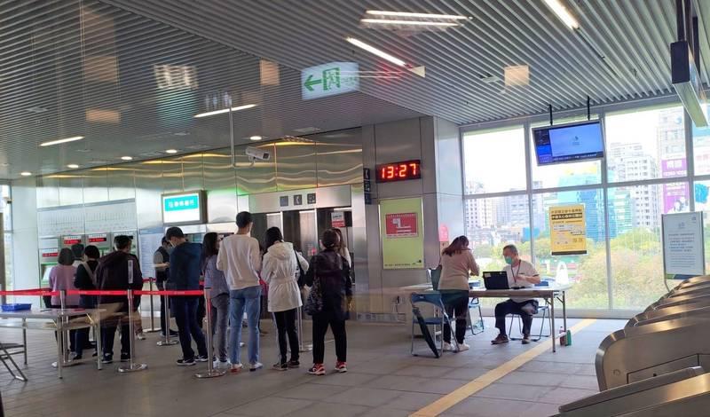 台中捷運公司提供6個公車綁卡站,但自3月1日捷運烏日站不提供公車綁卡服務。(台中捷運公司提供)