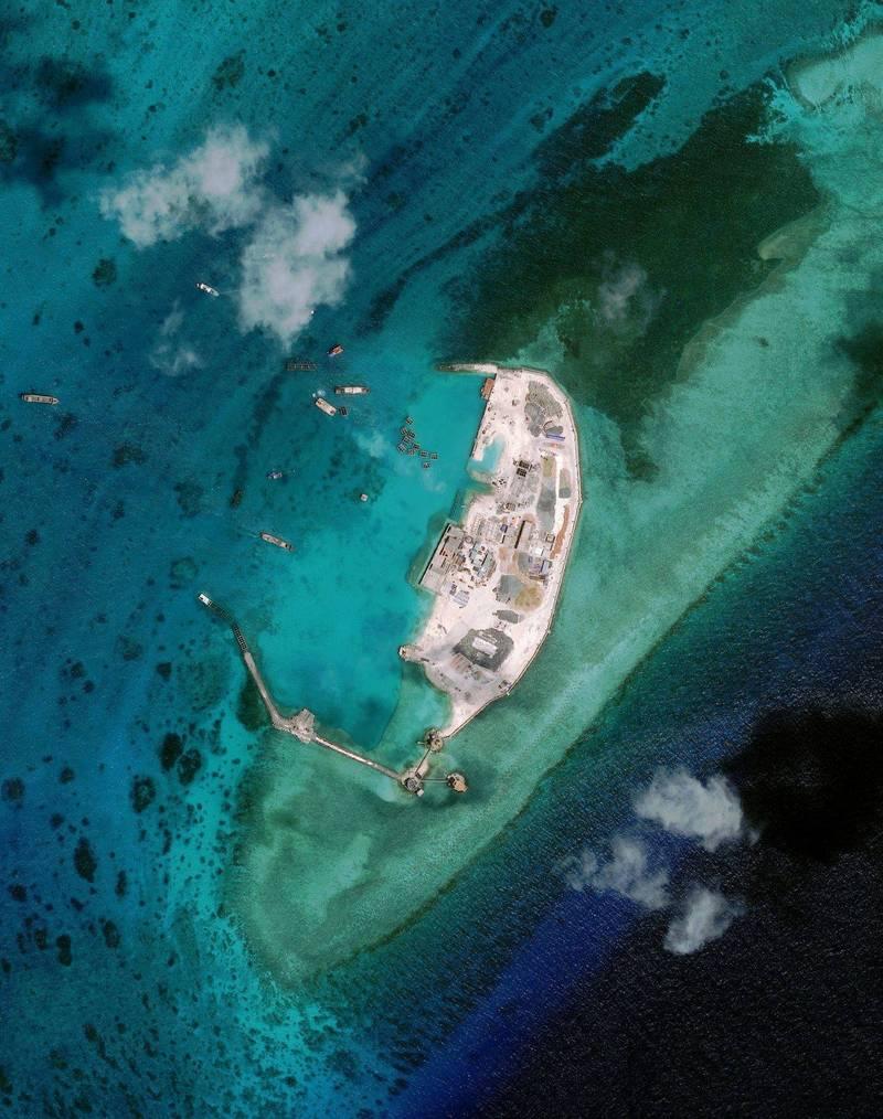 亞洲海事透明倡議(AMTI)近期發佈報告揭露,越南過去2年來,持續加強南沙群島相關建設,其中又以西礁、景宏島改變最明顯,圖為西礁。(法新社資料照)