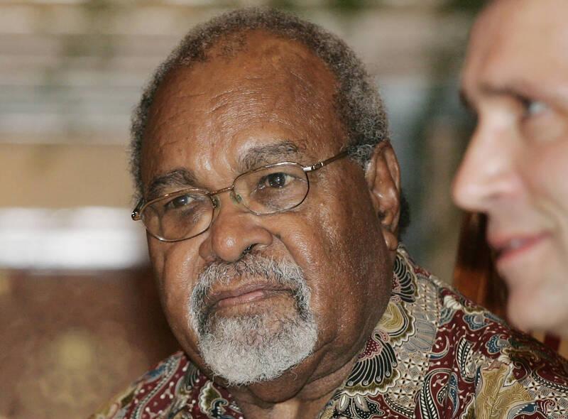 巴布亞紐幾內亞首任總理索馬雷(見圖)上週五辭世。(美聯社)