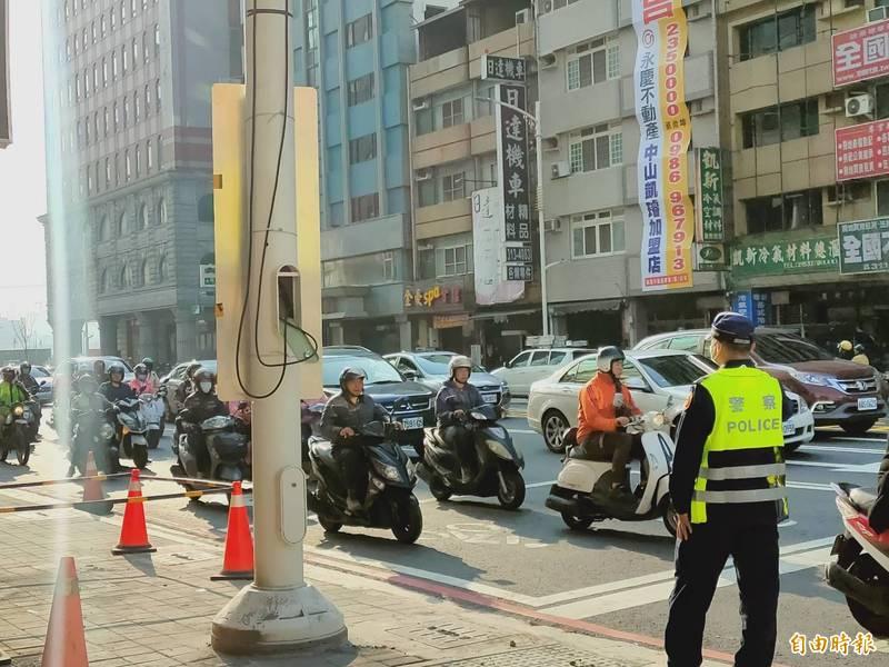 九如、復興路口雖然車多,但未造成阻塞。(記者葛祐豪攝)
