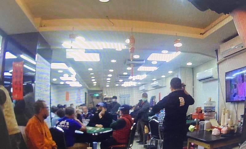 台北市漢口街的「台北健康麻將協會」被警方查獲涉嫌經營地下賭場。(記者劉慶侯翻攝)