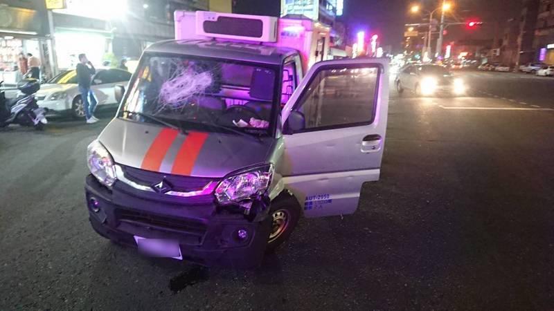偷貨車逃竄彰化鬧區 竊賊撞警車拒捕卻被員警開槍嚇到