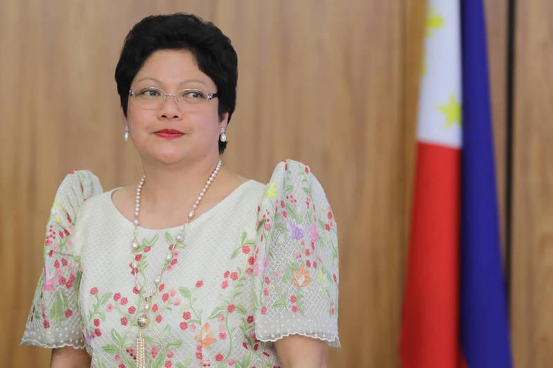 2018年被派駐巴西的菲律賓大使莫羅,因虐打菲傭事件,昨晚被正式撤職。(彭博)