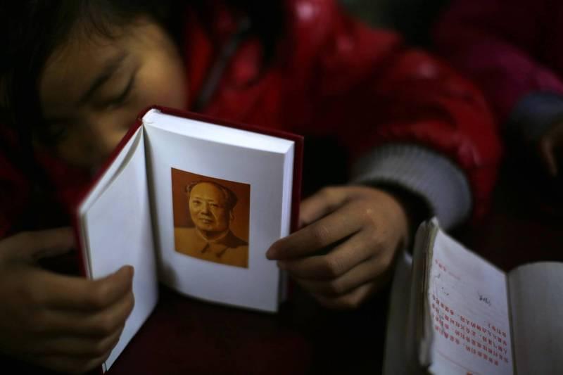 今年中国小学刚开学,就有学校得上「党课」、学「党史」。示意图。(路透)(photo:LTN)