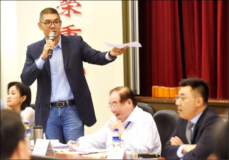 國民黨智庫副董事長連勝文昨表示,國民黨未來的主席,應定位為「專職黨主席」,此舉被解讀是逼迫江在立委、黨魁身分二擇一。(資料照)
