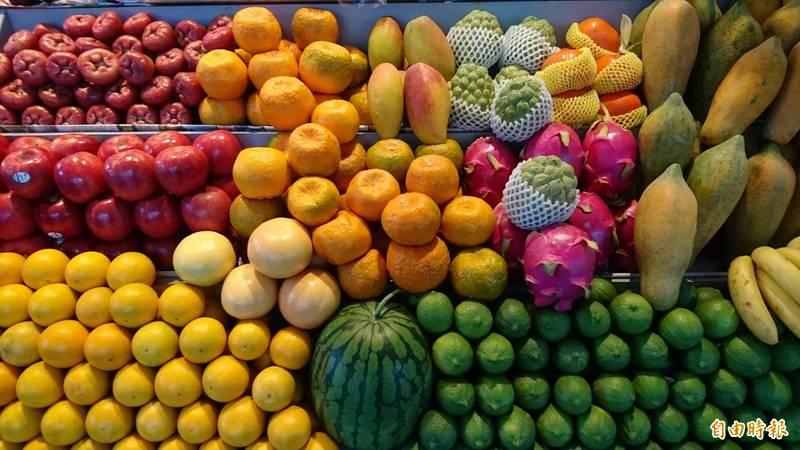 香港攤商日前受訪時表示,台灣產水果品質優良,也都比中國產的好吃。(資料照)