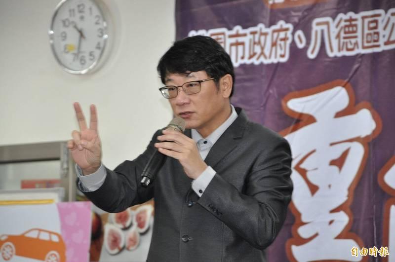 無黨籍立法委員趙正宇(見圖)捲入收賄弊案,這會期仍持續加入民進黨團運作,繼續留在交通委員會。(資料照,記者周敏鴻攝)