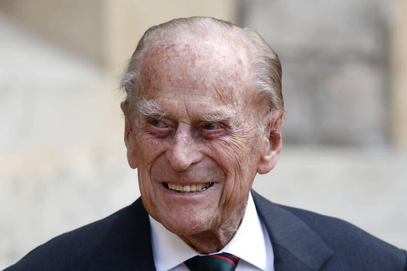 菲利普親王(見圖)住院已超過2週,王儲查爾斯的妻子卡蜜拉3日表示,他的病況有「稍微好轉」。(美聯社)